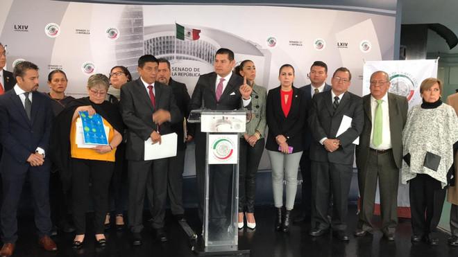 Los Senadores de Morena vs los privilegios y el nepotismo