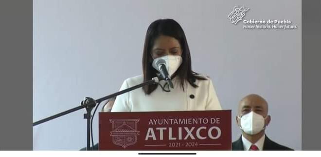 Ariadna Ayala rindió protesta como alcaldesa de Atlixco, Gobernador Miguel Barbosa atestiguó.