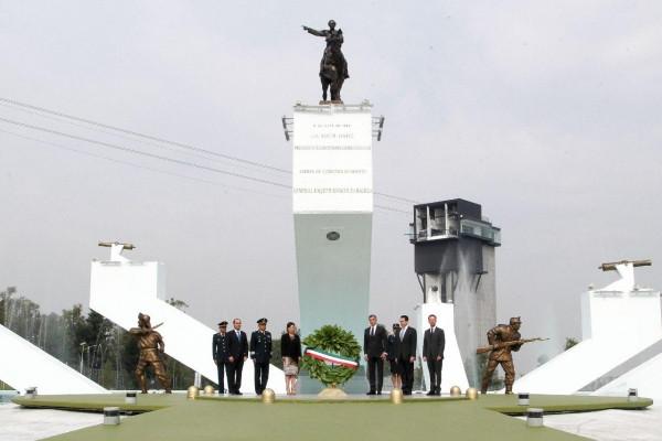Rosario Robles y Tony Gali encabezan la conmemoración del 155 Aniversario de la Batalla de Puebla