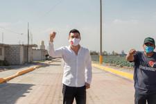 Martínez Fuentes entrega calle con adoquin en Froylán C. Manjarrez en beneficio de los quecholenses.