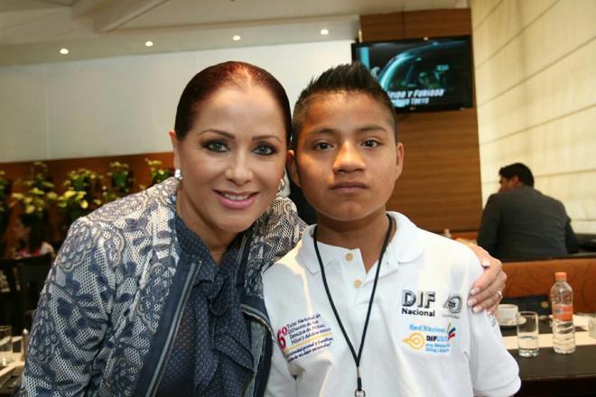 Participa Dinorah López de Gali en taller nacional de difusores de los derechos de la infancia.
