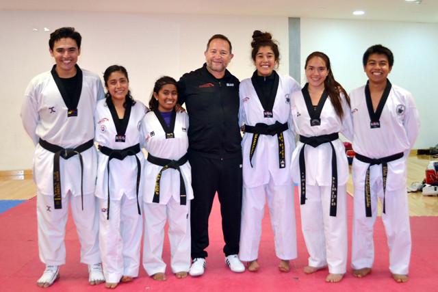 Gerardo González, entrenador de Taekwondo en la BUAP obtuvo Mención Honorífica del Premio Estatal de