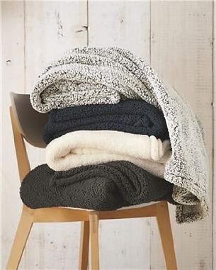 gahanna-sanctuary-sherpa-blankets.jpeg
