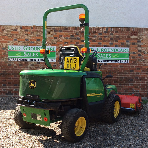 John Deere 1435 with Trimax Flail