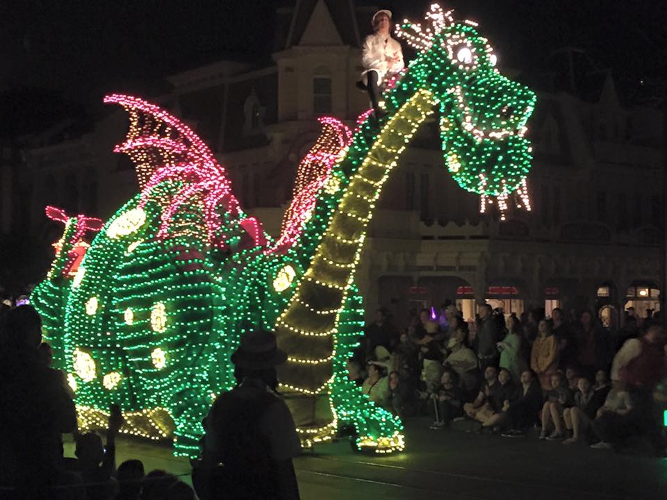 WDW Night Parade Pets's Dragon