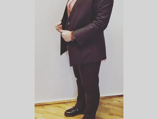 ビュンビュン伸びるスーツ