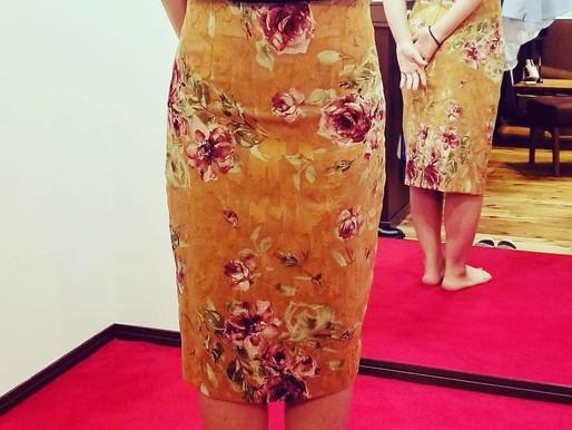 『フルオーダータイトスカート』