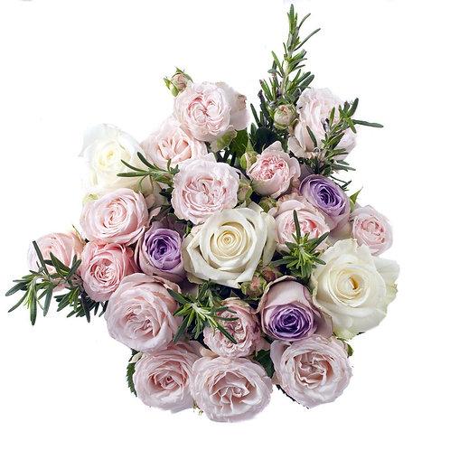 Buchetul saptamanii cu trandafiri de gradina
