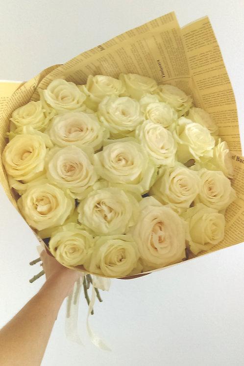 Buchet cu 23 de trandafiri Avalanche