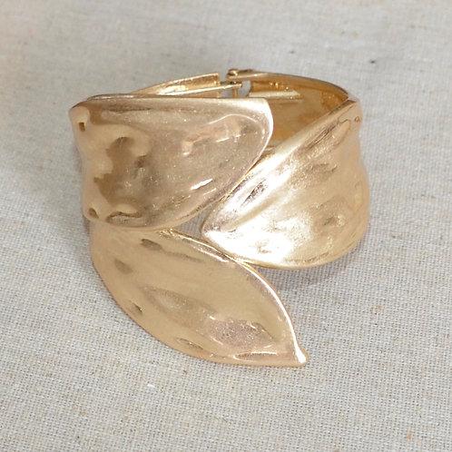 Elegant petal rustic bracelet