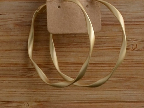 Md Matte Swirl Hoop earrings