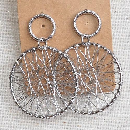 Tangled mesh round earrings