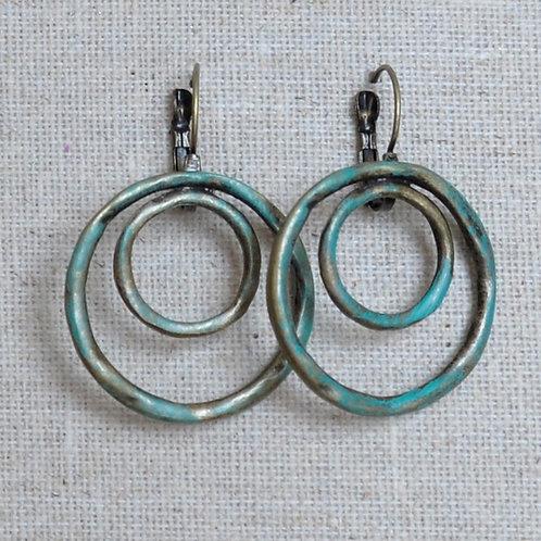 Double circle rustic earrings