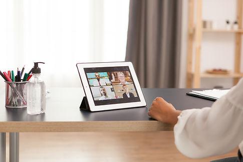 tablet-video-call-WQ2SQYT.jpg