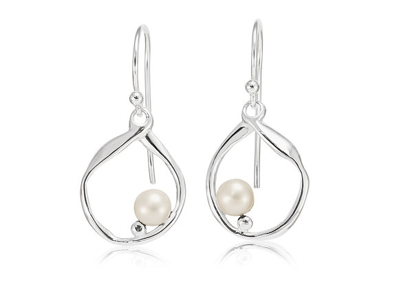 Silver Hoop Earrings with Freshwater Pearl