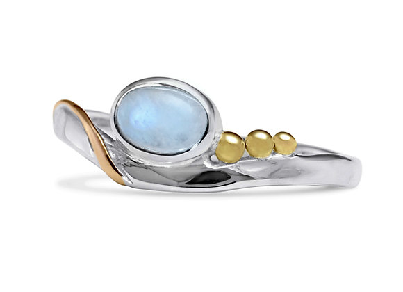 Moonstone Ring in Sterling Silver with Gold details