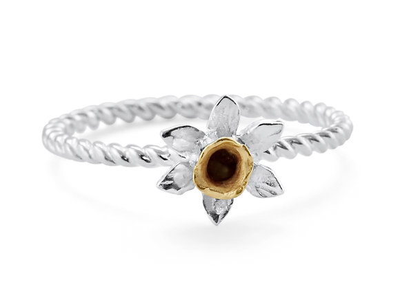 Daffodil Ring in Sterling Silver and a Touch of Gold
