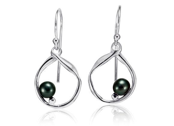 Silver hoop earrings with peacock pearl