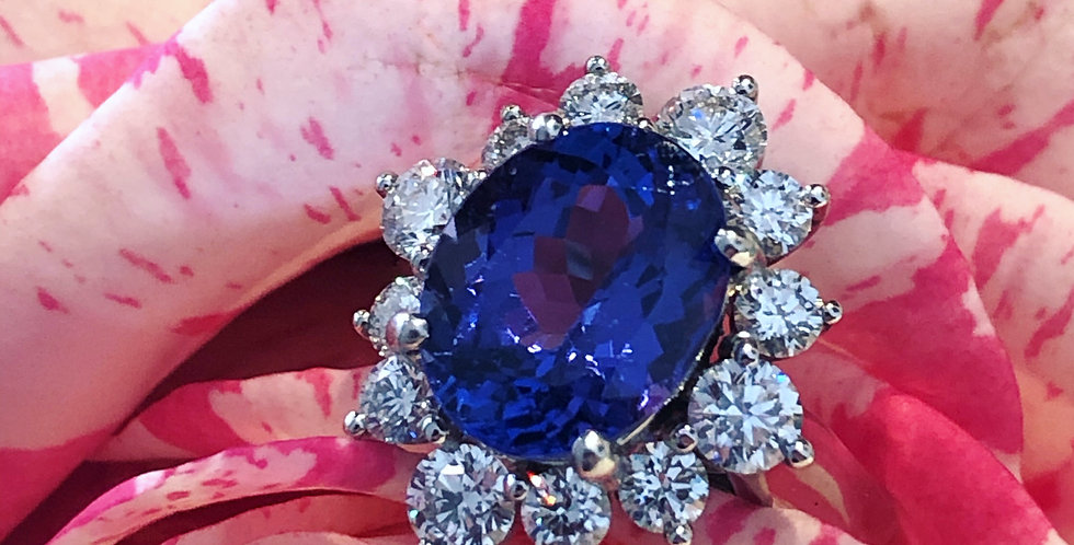 18ct tanzanite and diamond cluster ring
