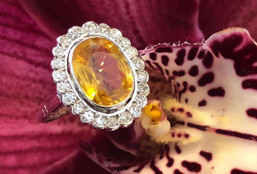 18ct yellow sapphire and diamond ring
