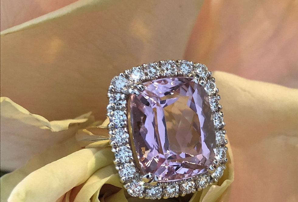 18ct kunzite and diamond ring