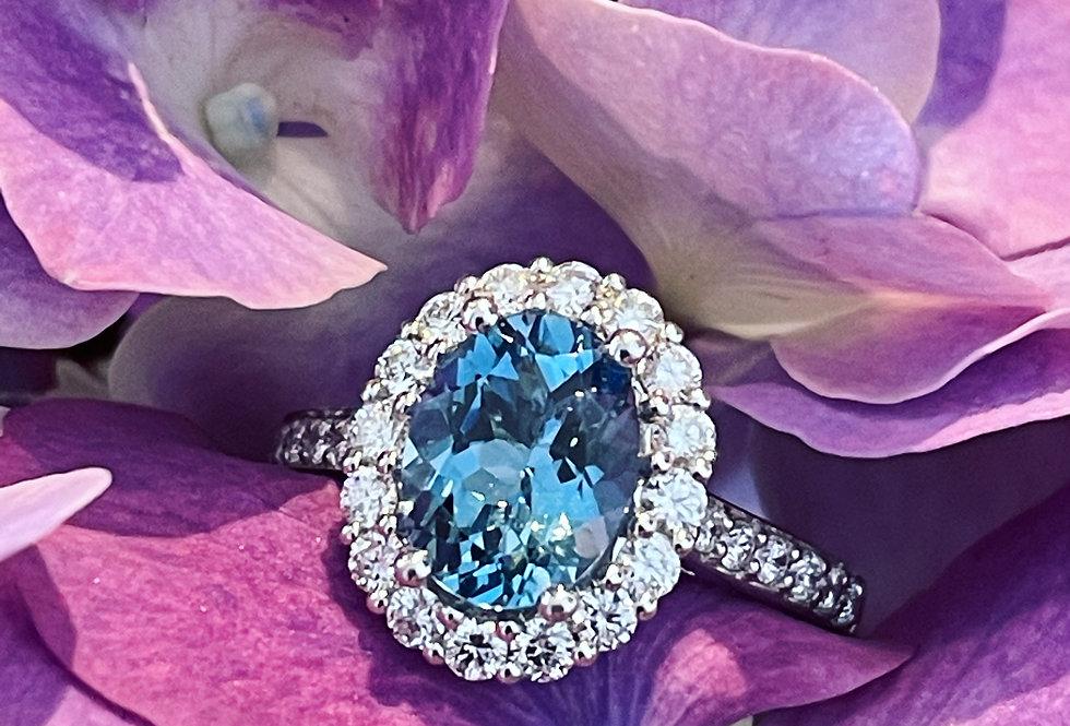 18ct Aquamarine and diamond ring