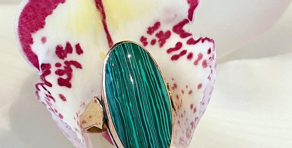 Striking vintage large malachite ring