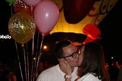 bondrew balloon kiss.jpg