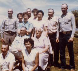 Row 1: Keith Mildred. Row 2: Percy, Stella. Row 3: Ronda, Betty, Mary, Bea, Cloyd, Boyd. Row 4: Don,