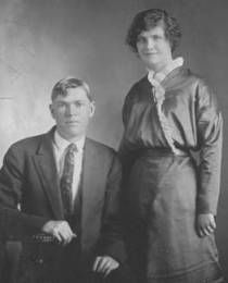 Jededih Gooing and Vivian Leigh Cox