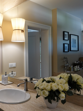 Lampa z plisy do łazienki