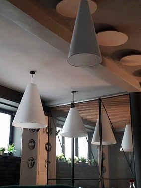 białe_lampy_do_restauracji.jpg