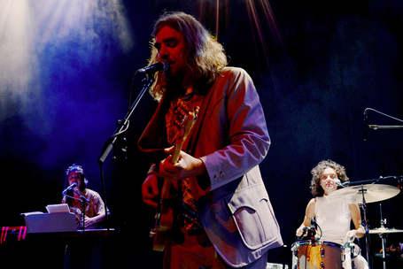 Don Marco live mit Teresa Staffler (links) und Maria de Val (rechts) (c) Tibor Bozi