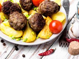 Almondegas Veganas com Batata Souté