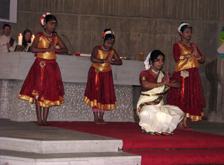indische Tanzgruppe