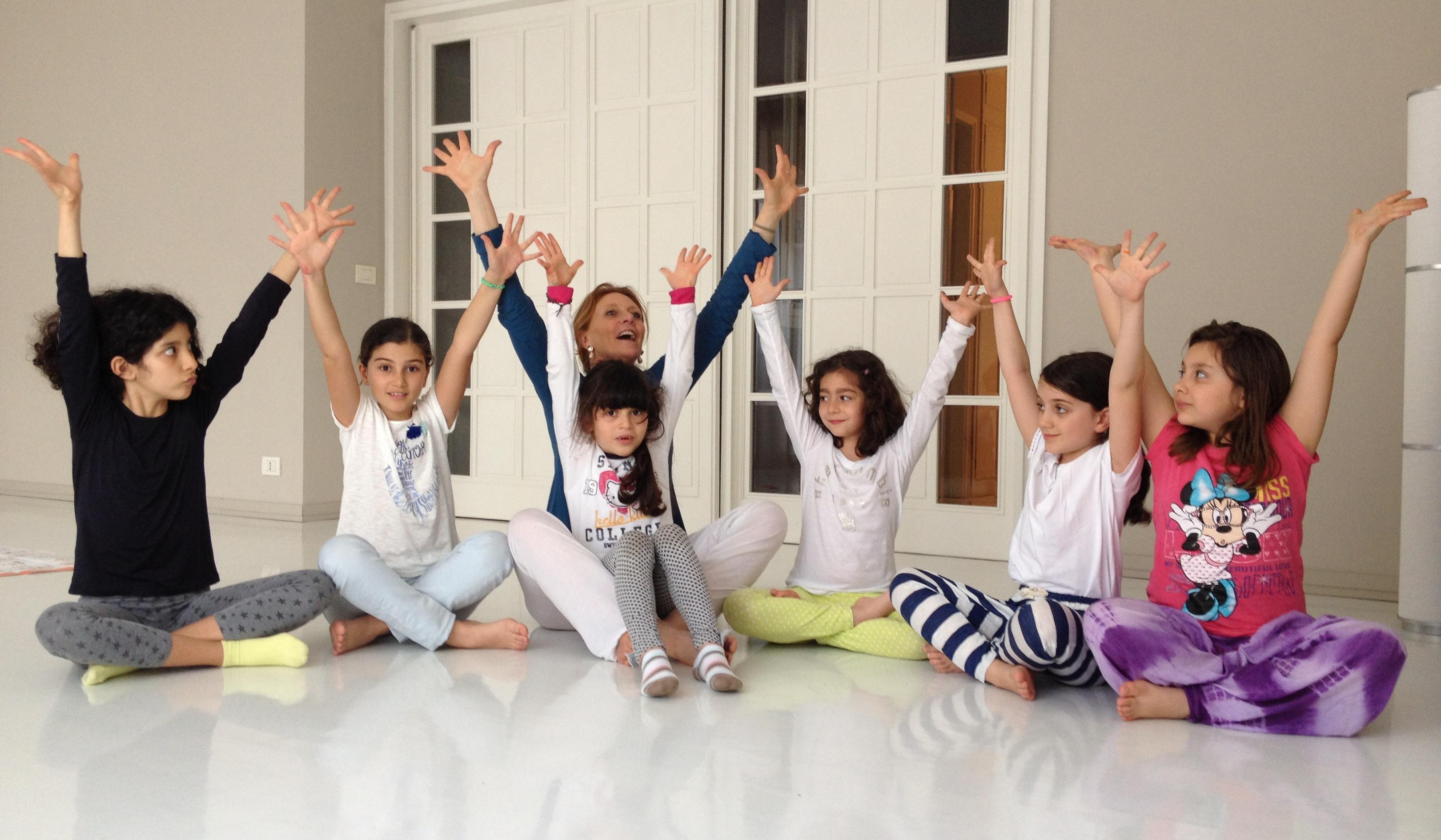 Yoga Bimbi con Ajinder Kaur