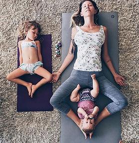 mamma e figlie copy.jpg