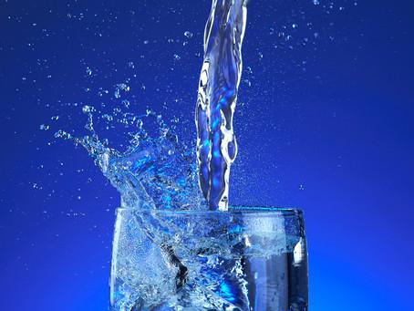 Energiedip? 5 redenen om genoeg water te drinken.