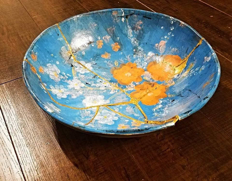 kintsugi bowl Japanese wabi sabi