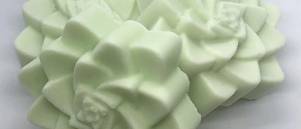 White Lily & Aloe Goats Milk Soap