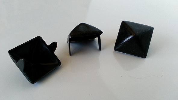 BLACK 16MM SQUARE PYRAMID STUD (SINGLE ITEM)