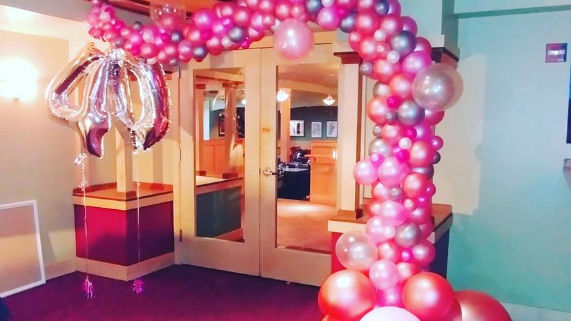 organic arch balloon