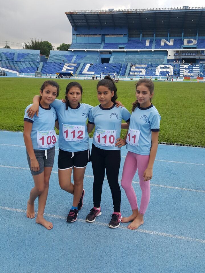 In 2016, our Tamarindo girls and boys athletes became the talk of the nation, achieving great success in track and field for running in the 2016 National Track and Field Championships barefooted and winning all the sprint and distance events.