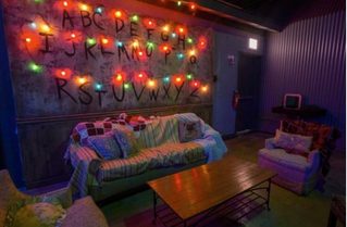"""STRANGER THINGS"" BAR POPUP"