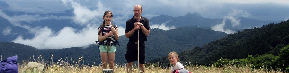 Hiking in Italy; hiking at Lake Como, family tour
