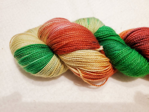 Christmas Champagne Hand dyed yarn 2 ply