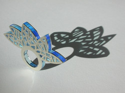 Argent & plexi bleu-ciel