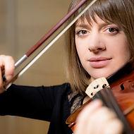 Anne-Amandine Corgiat / Violoniste