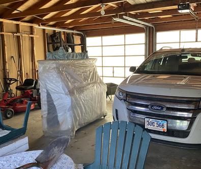 (23) Garage interior view