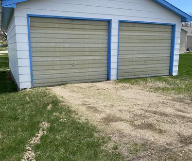 (22) Garage alley view